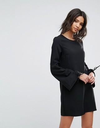 Vero Moda Gathered Sleeve Shift Dress-Black