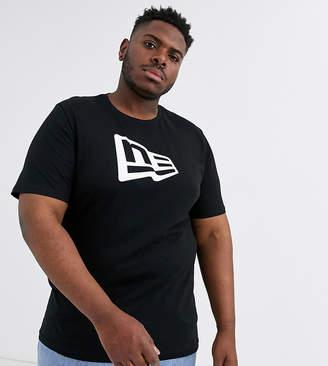 New Era Plus Essential Flag t-shirt in black