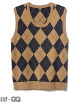 Gap + GQ UA plaid sweater vest