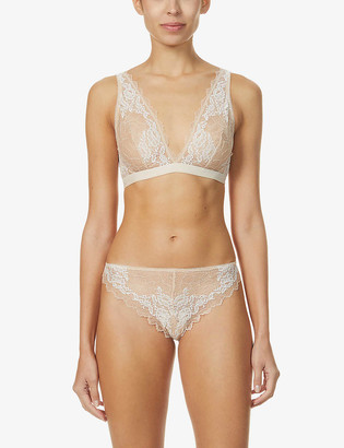 Wacoal Lace Perfection stretch-lace plunge bralette