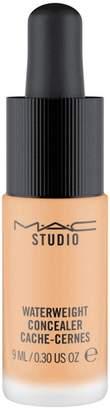 M·A·C M.A.C Studio Waterweight Concealer