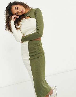 UNIQUE21 knitted two tone crop top in ecru and khaki