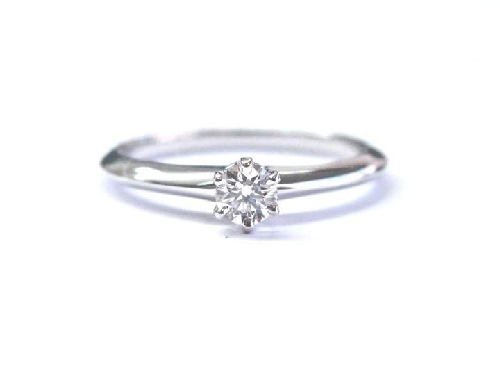Tiffany & Co. Platinum Round Cut Diamond Solitaire Engagement Ring Size 6