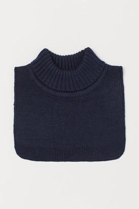 H&M Ribbed polo-neck collar