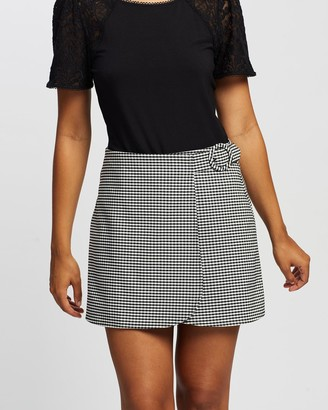 Review Women's Black Shorts - Louisiana Gingham Skort - Size One Size, 8 at The Iconic