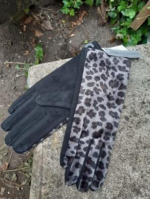 Euro Designs Limited Leopard Print Glove Premium Suede Women's Ladies Glove Fleece Lining Winter Gloves Warm Touchscreen Gloves Windproof Gloves for Women Girls Winter Outdoor Sports Glove - Grey/Black - Small/Medium