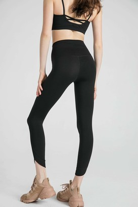 J.ING Carbon Black Capri Legging