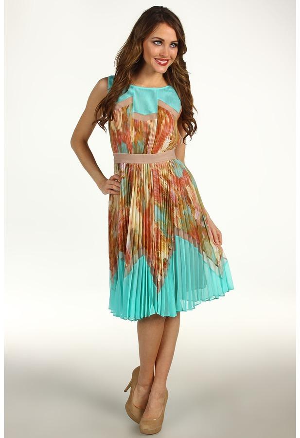 BCBGMAXAZRIA Ksenia Pleated Dress (Powder Combo) - Apparel