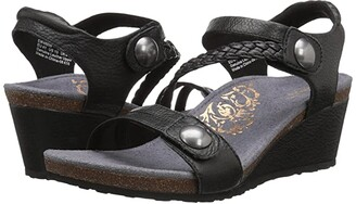 Aetrex Naya Wedge Sandal (Black) Women's Wedge Shoes