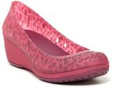 Crocs Carlisa Mini Wedge Pump (Women&s)