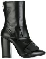 No.21 chunky heel pointy boots