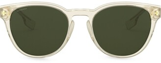 Burberry Eyewear Round Frame tinted sunglasses