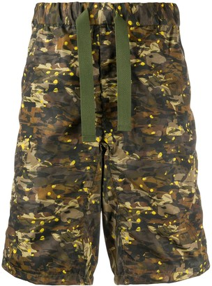 White Mountaineering Easy camouflage-print shorts