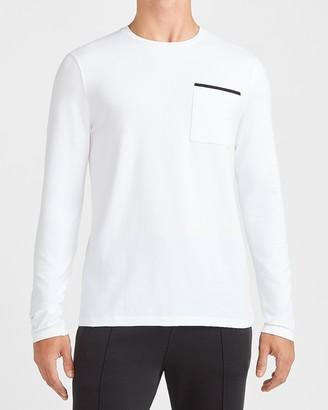 Express Solid Moisture-Wicking Long Sleeve Pocket T-Shirt
