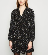 New Look Ditsy Floral Mini Smock Dress