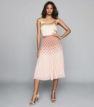 Reiss Elsa - Printed Knife-pleat Midi Skirt in Peach