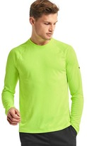 Gap Aeromesh crewneck long sleeve t-shirt