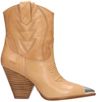 Lola Cruz Texan Ankle Boots In Leather Color Leather