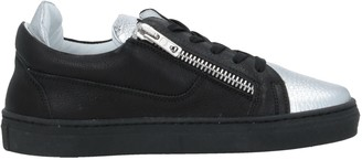 Gallucci Low-tops & sneakers