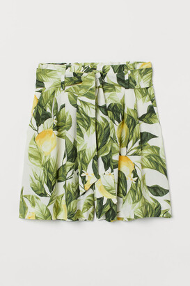 H&M Tie-belt Shorts - White