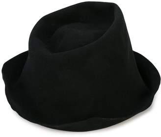 REINHARD PLANK Artista hat