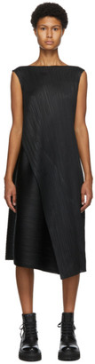 Pleats Please Issey Miyake Black Diagonal Pleats Mid-Length Dress