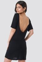 NA-KD Deep Back Viscose Dress