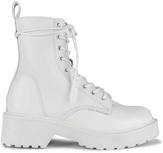 Steve Madden Tornado Boots