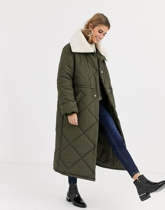 Asos Design DESIGN quilted maxi puffer coat with borg collar in khaki-Green
