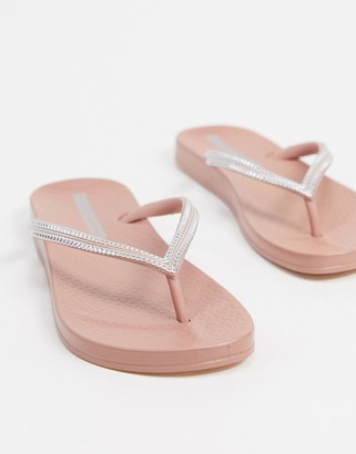 Ipanema anatomic fip flops in blush with silver