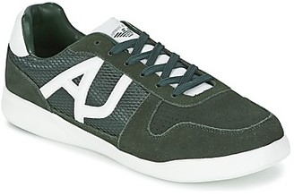 Armani Jeans SOKORA men's Shoes (Trainers) in Green