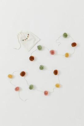H&M Pompom garland