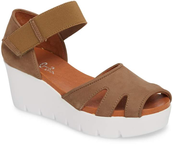 Bos. & Co. Sharon Platform Wedge Sandal
