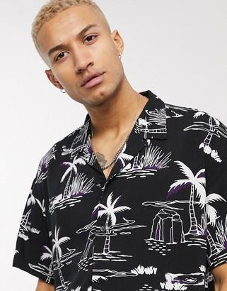Mennace co-ord revere palm tree print shirt in black