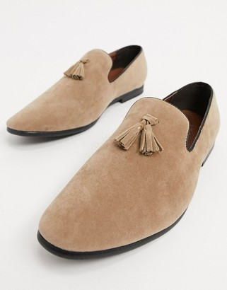 Brave Soul loafer in faux suede in sand
