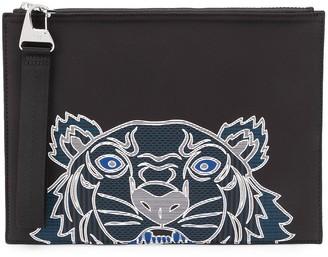 Kenzo Tiger detail clutch