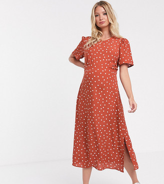 New Look Maternity polka dot midi dress with side split in rust-Brown