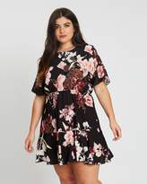 boohoo Plus Tiered Floral Crepe Smock Dress