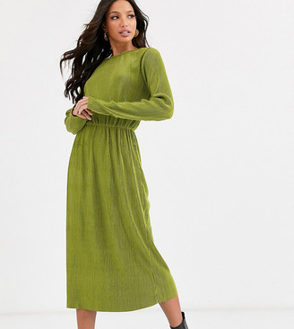 Glamorous Tall midi dress in plisse-Green