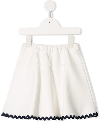 Familiar scalloped hem skirt