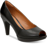 Clarks Collection Women's Narine Rowe Pumps