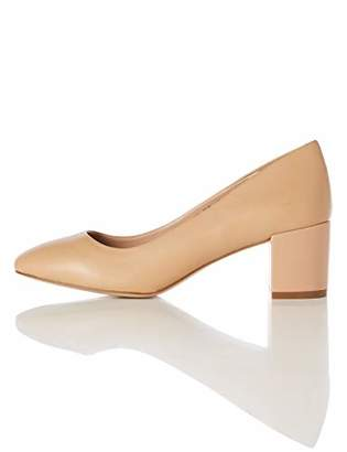 BEIGE find. Round Toe Block Heel Leather Court Closed Pumps,