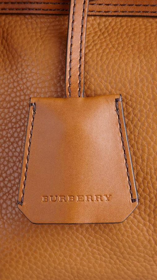 Burberry Medium Belt Detail Leather Tote Bag