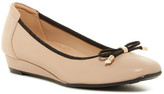 Naturalizer Dove Wedge Flat