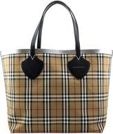 Burberry The Giant Reversible Tote