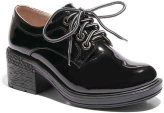 Two Lips Too Oxford Women's Shoes