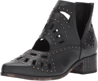 Sbicca Women's Vixon Ankle Bootie