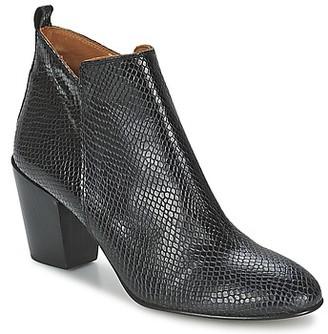 Emma.Go Emma Go ERWANS women's Low Ankle Boots in Black