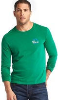 Gap Mont Tremblant long sleeve crew tee