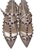 Valentino Garavani Rockstud Beige Patent leather Ballet flats